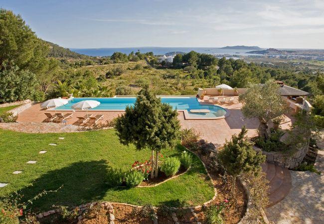 Villa en Ibiza - VILLA ALAYA