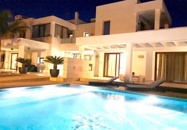 Villa en Sant Jordi de Ses Salines - ARTE - 8 PAX