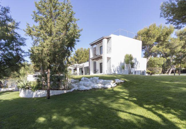 Villa in Sant Josep de Sa Talaia - VILLA CHARLOTTE 12 PAX