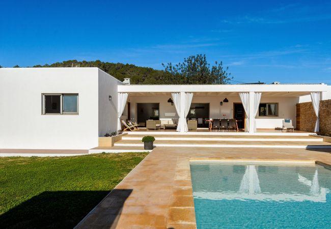 Villa in Santa Gertrudis - VILLA VINYES, CAN