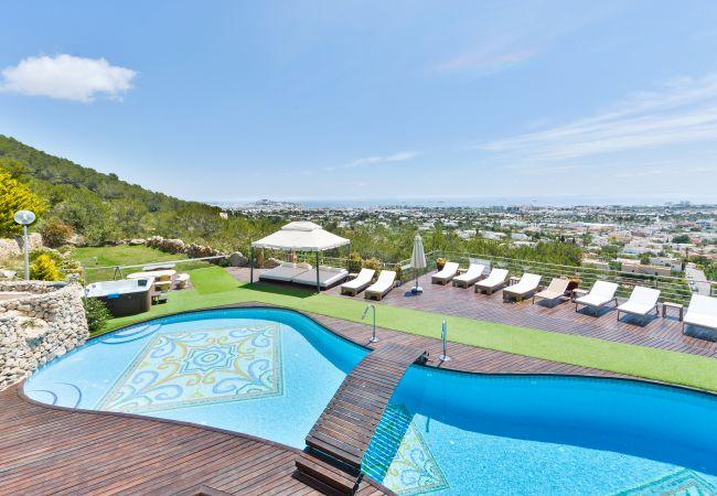 Villa in Ibiza - LUZ 12 PAX