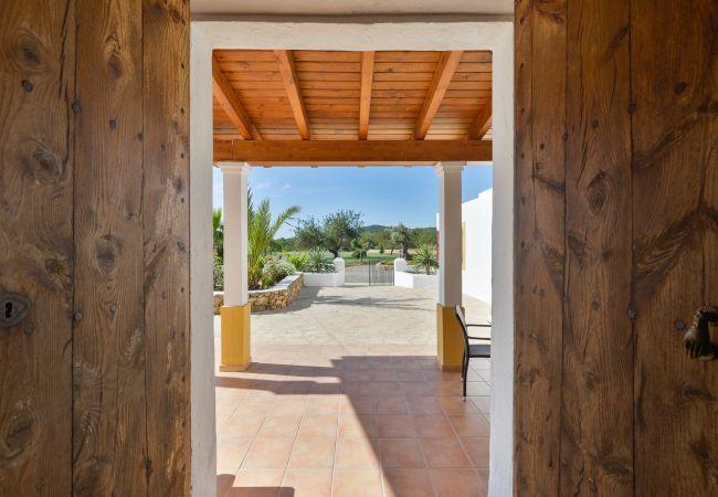 Villa in San Rafael de Sa Creu/ Sant Rafael de Sa Creu - SA CUINA