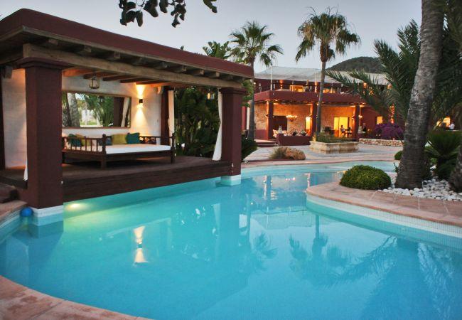 Villa in Sant Josep de Sa Talaia - CARACAS 8 pax