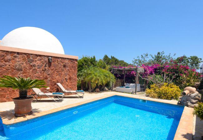 Villa in Santa Eulalia del Río - VILLA LAIA Y ERIKA