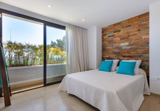 Villa in Santa Eulalia des Riu - SERENA 6 pax