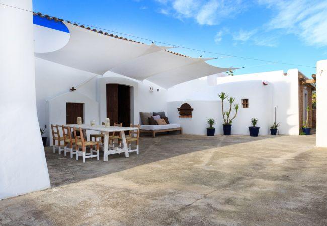Country house in Ibiza - INDIGO