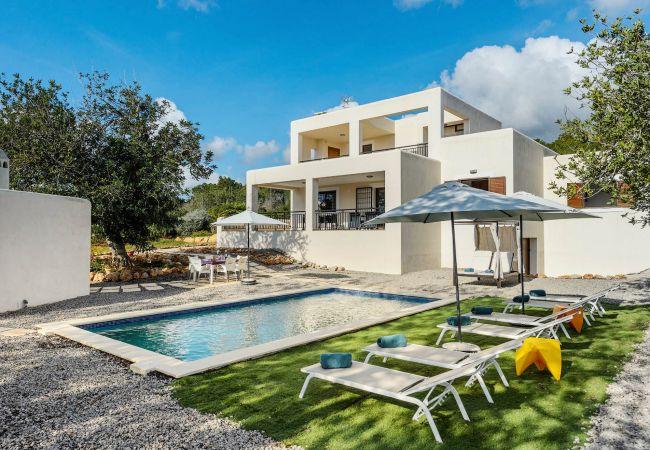 House in San Carlos/ Sant Carles de Peralta - AGUAS BLANCAS