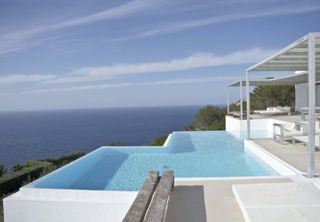 Villa in San Miguel/ Sant Miquel de Balansat - BLUE WHALE 12 pax